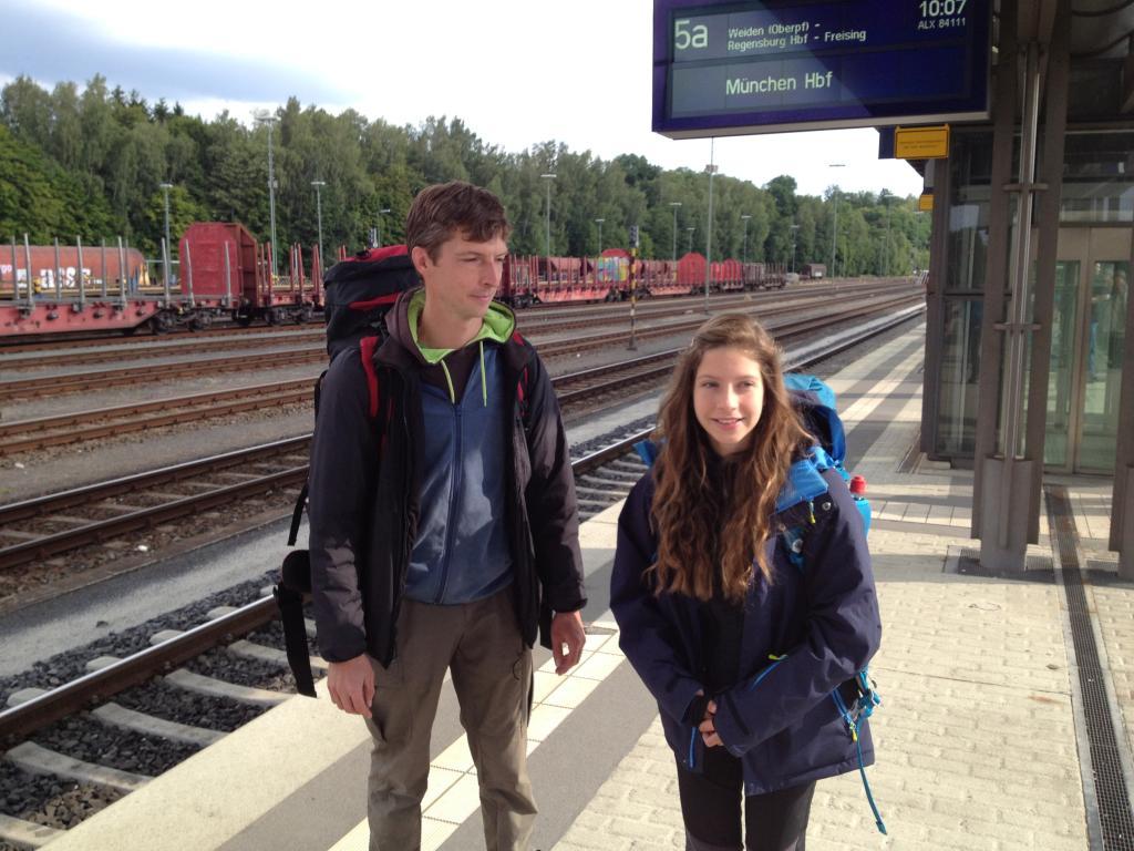 Bahn, Bus oder Mitfahrer, die besten Tipps für deine Anreise